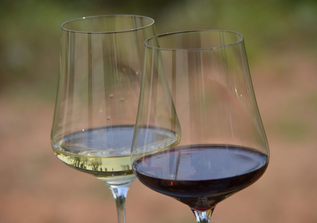 gabriel-glas-glasses-wine.jpg