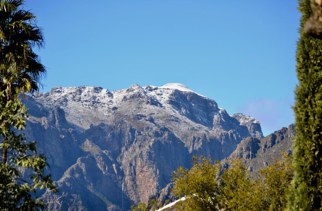 Paarl-Snow-Drakenstein-Mountain.jpg